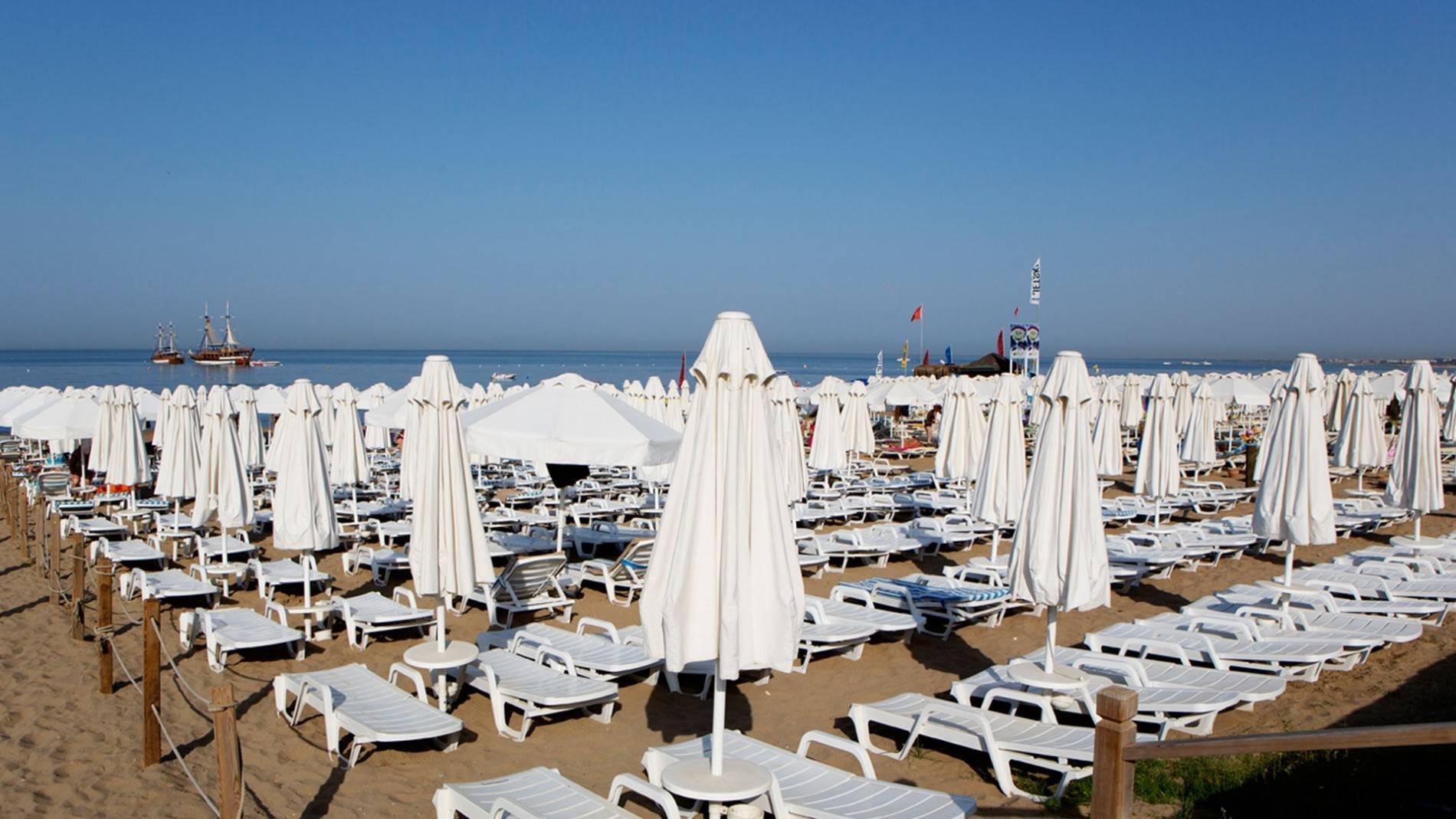 Пляж отеля Larissa Beach Club 4*