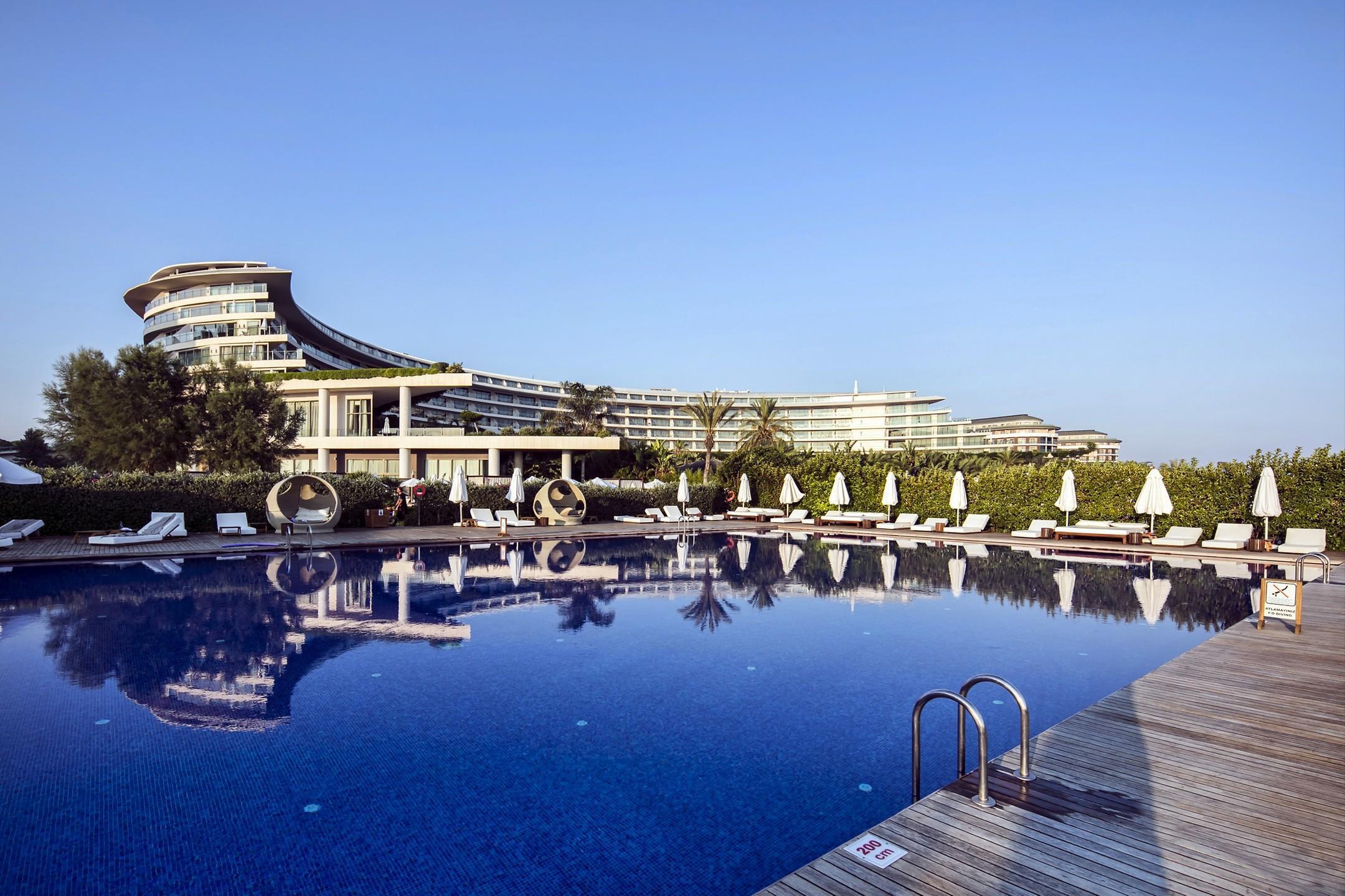 На фото отель Maxx Royal Belek Golf Resort 5*
