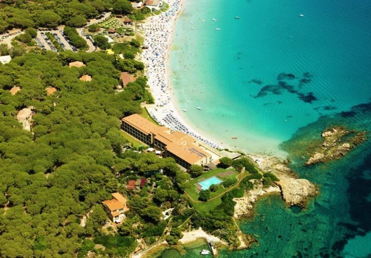 Фото отеля на берегу моря