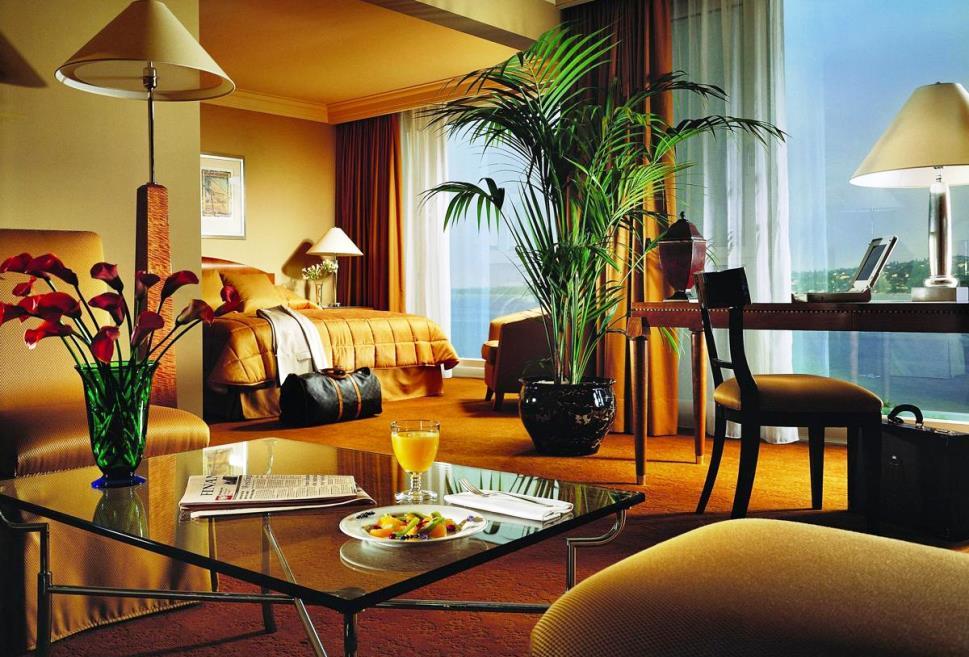 Топ-10 самых дорогих отелей