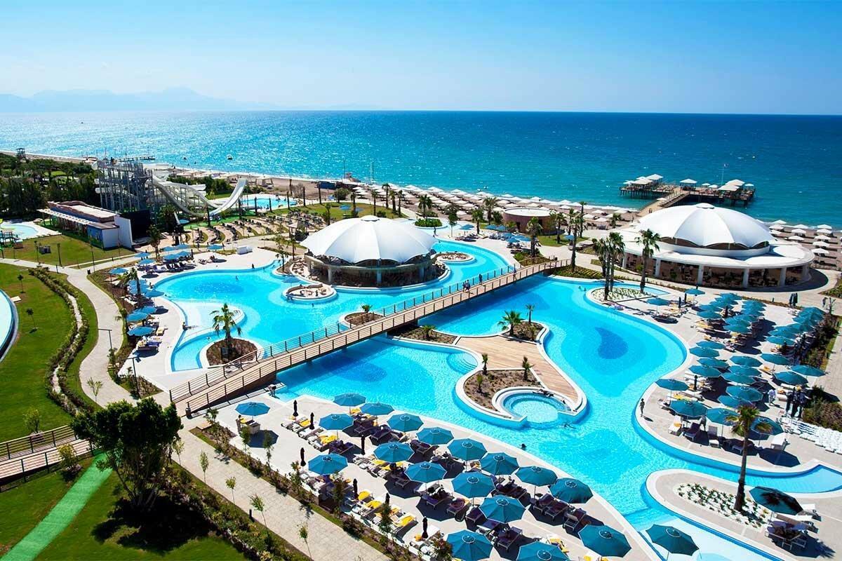 Фото отеля на берегу моря в Турции