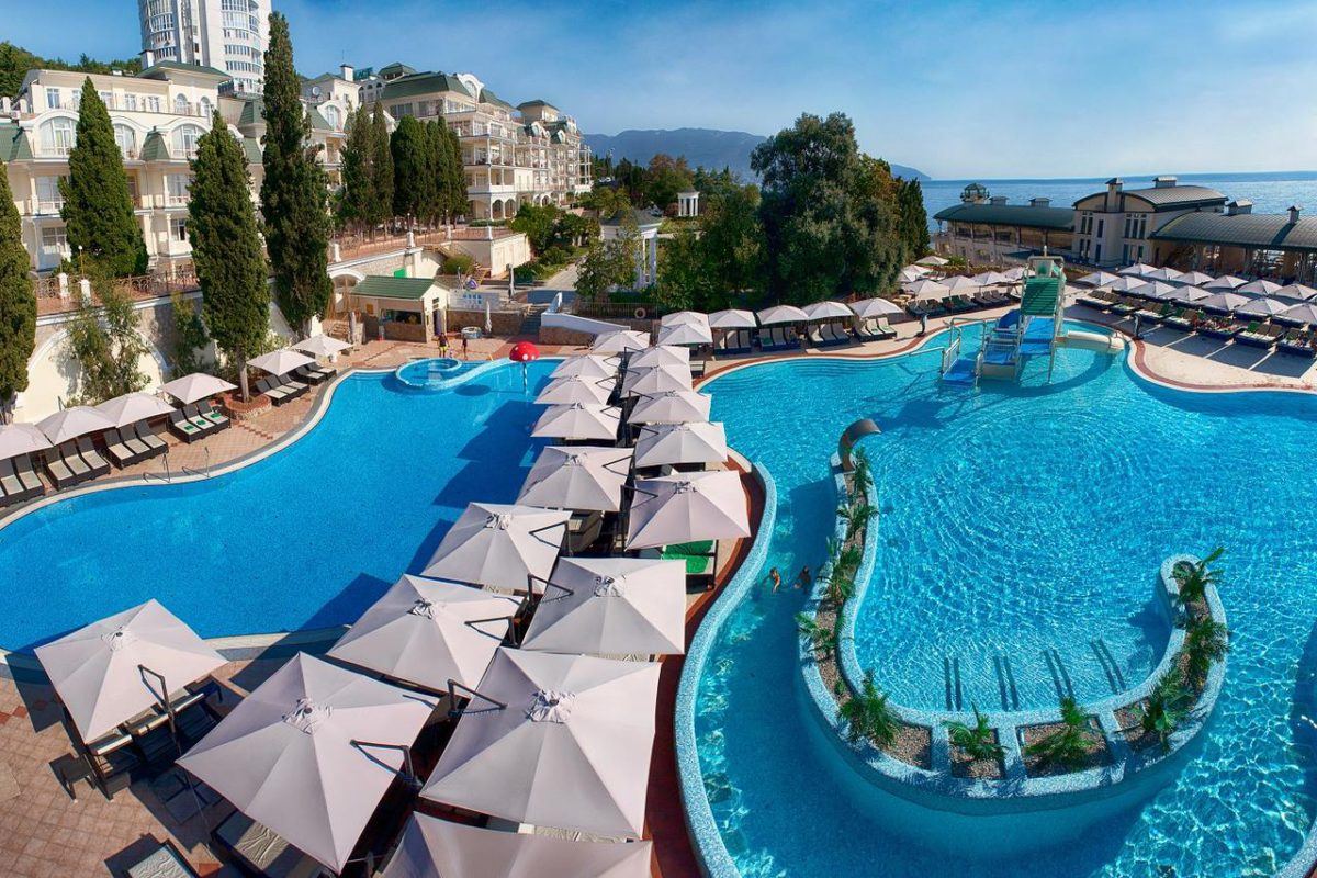 Лучшие отели Ялты на берегу моря