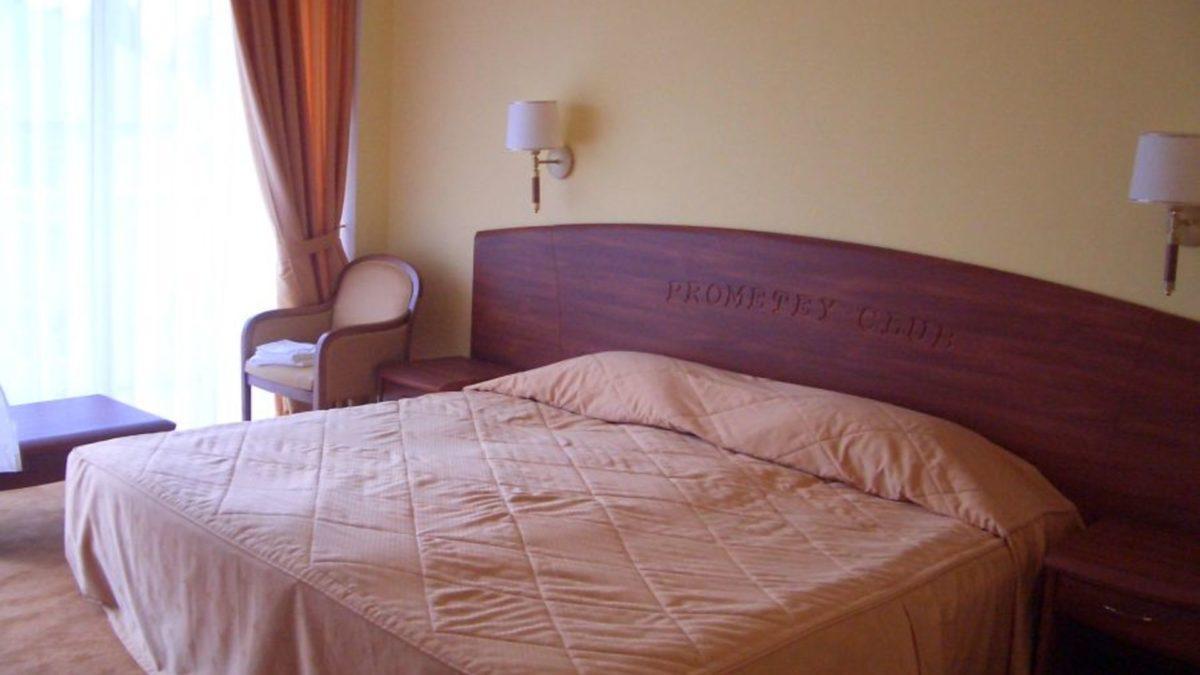 Фото комнаты в отеле Прометей Клуб Лазаревское