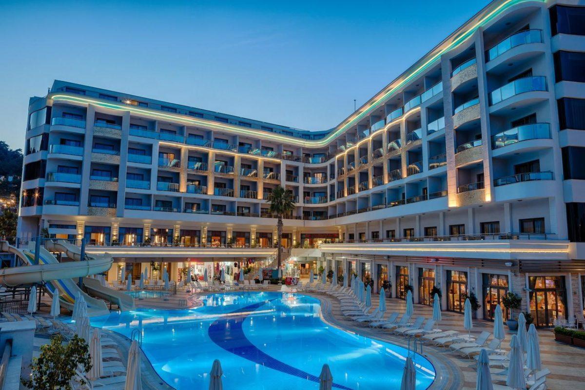 Фото Golden Rock Beach Hotel 5*