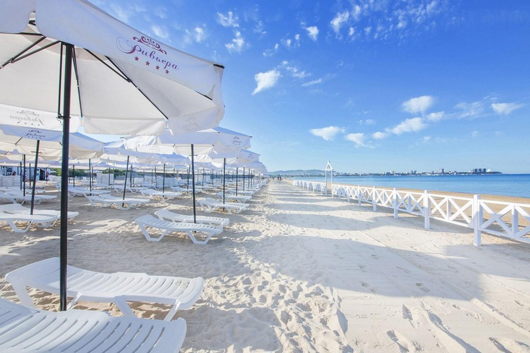 Фото береговой линии у Resort & SPA Riviera