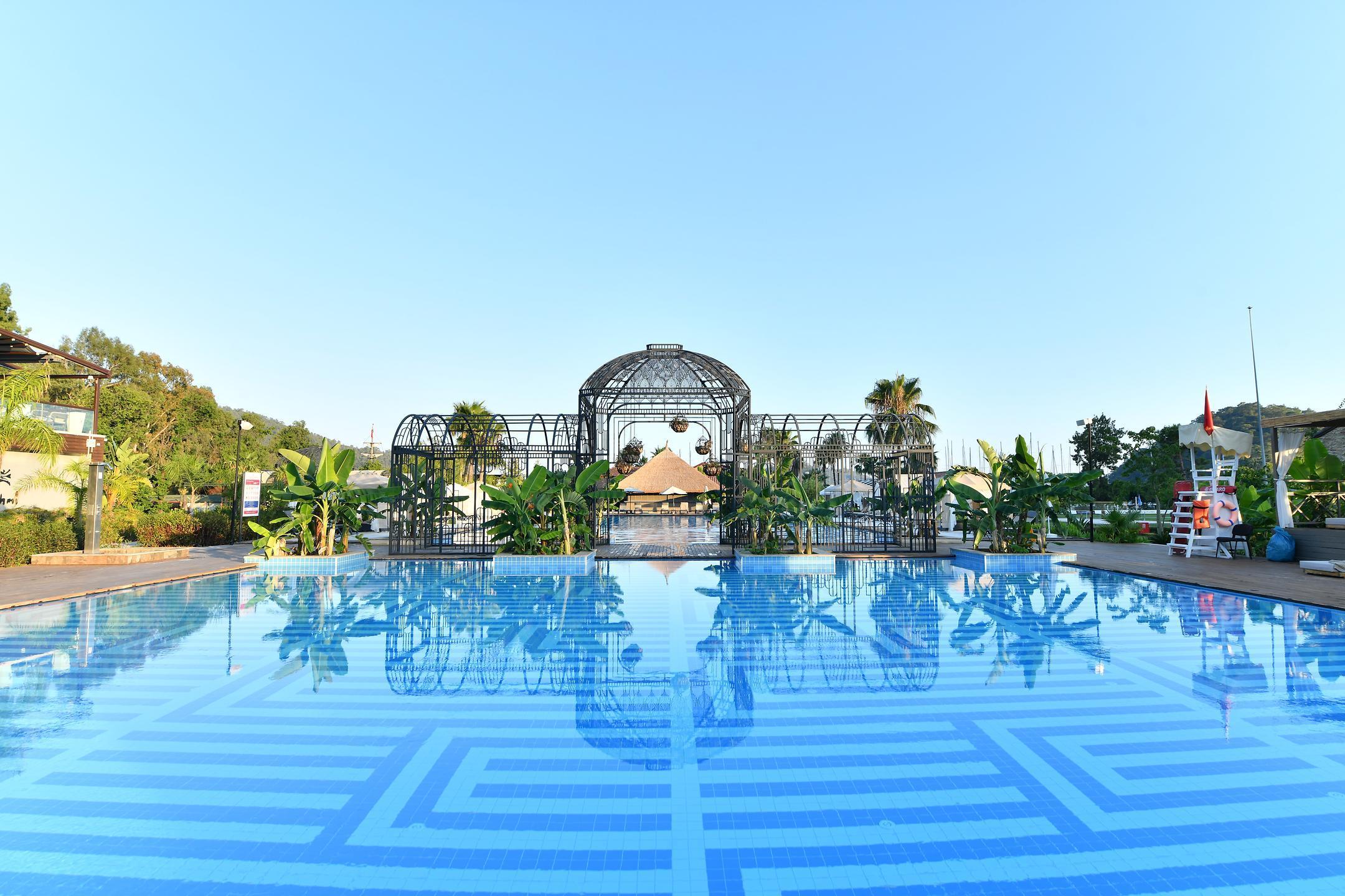 Невероятный отель Клаб Прайв Бай Риксос Годжек