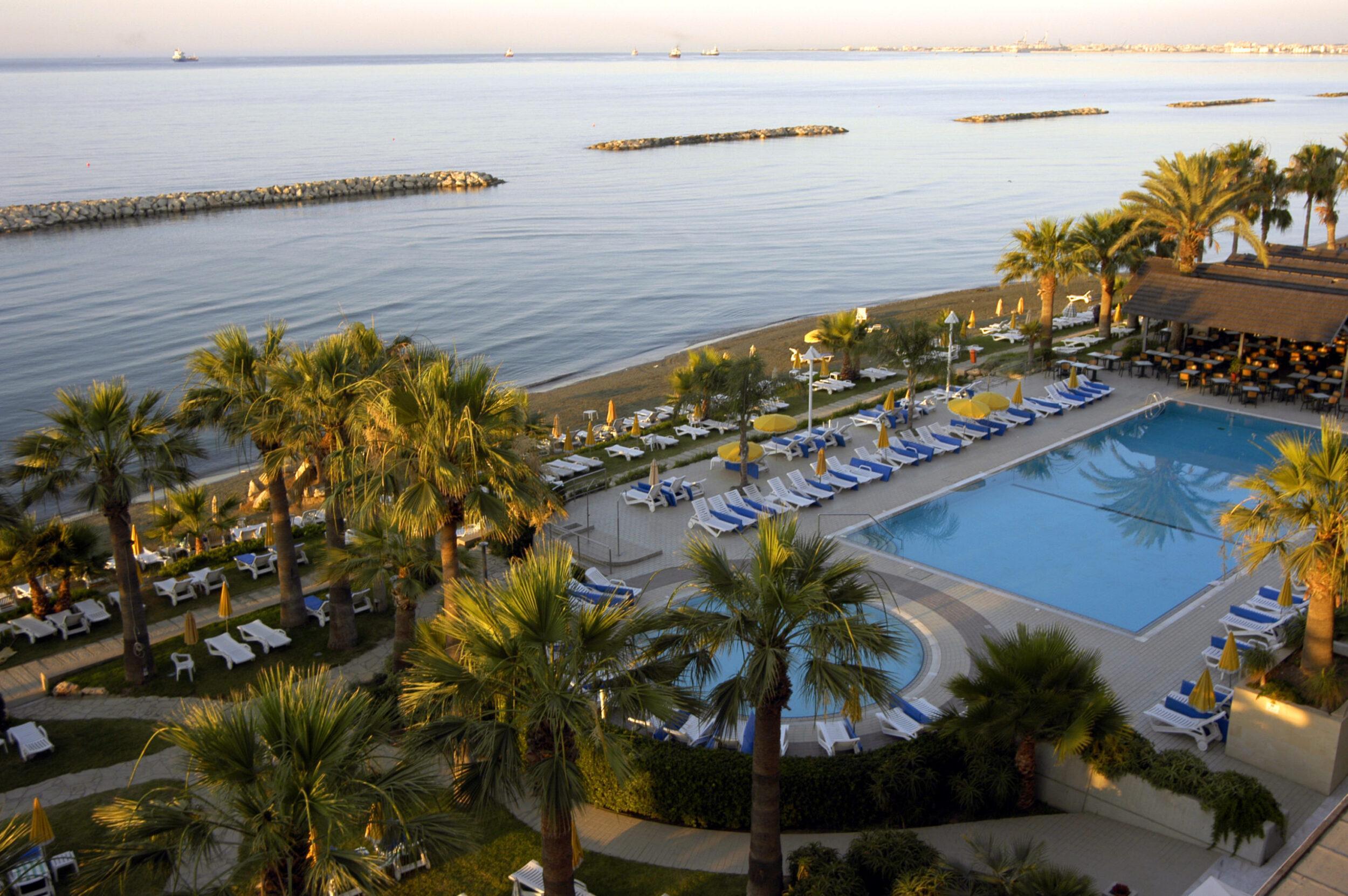 Фото Palm Beach Hotel & Bungalows 4*