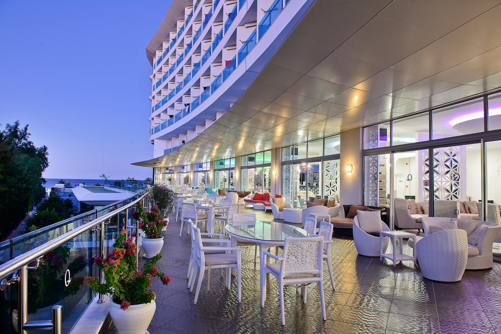 На фото отель Q Premium Resort Hotel – Ultra All Inclusive 5*
