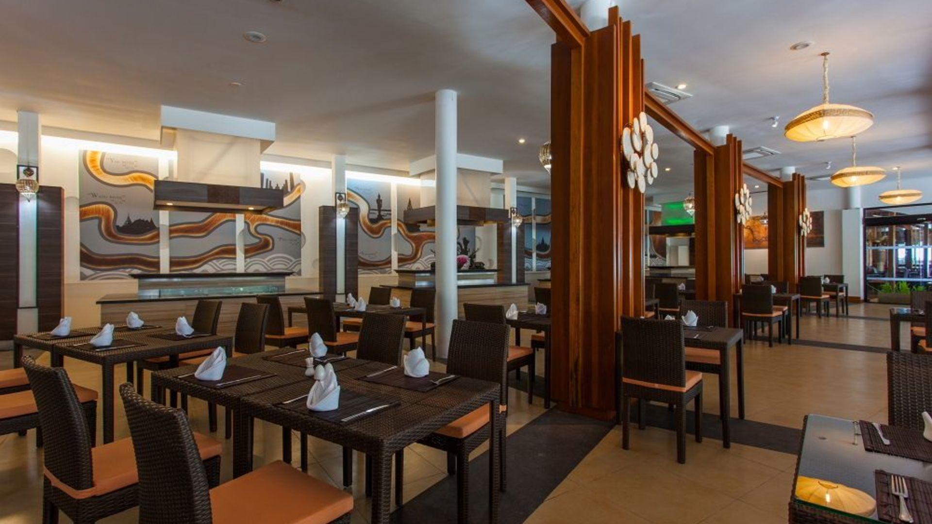Фото ресторана в Arinara Bangtao Resort