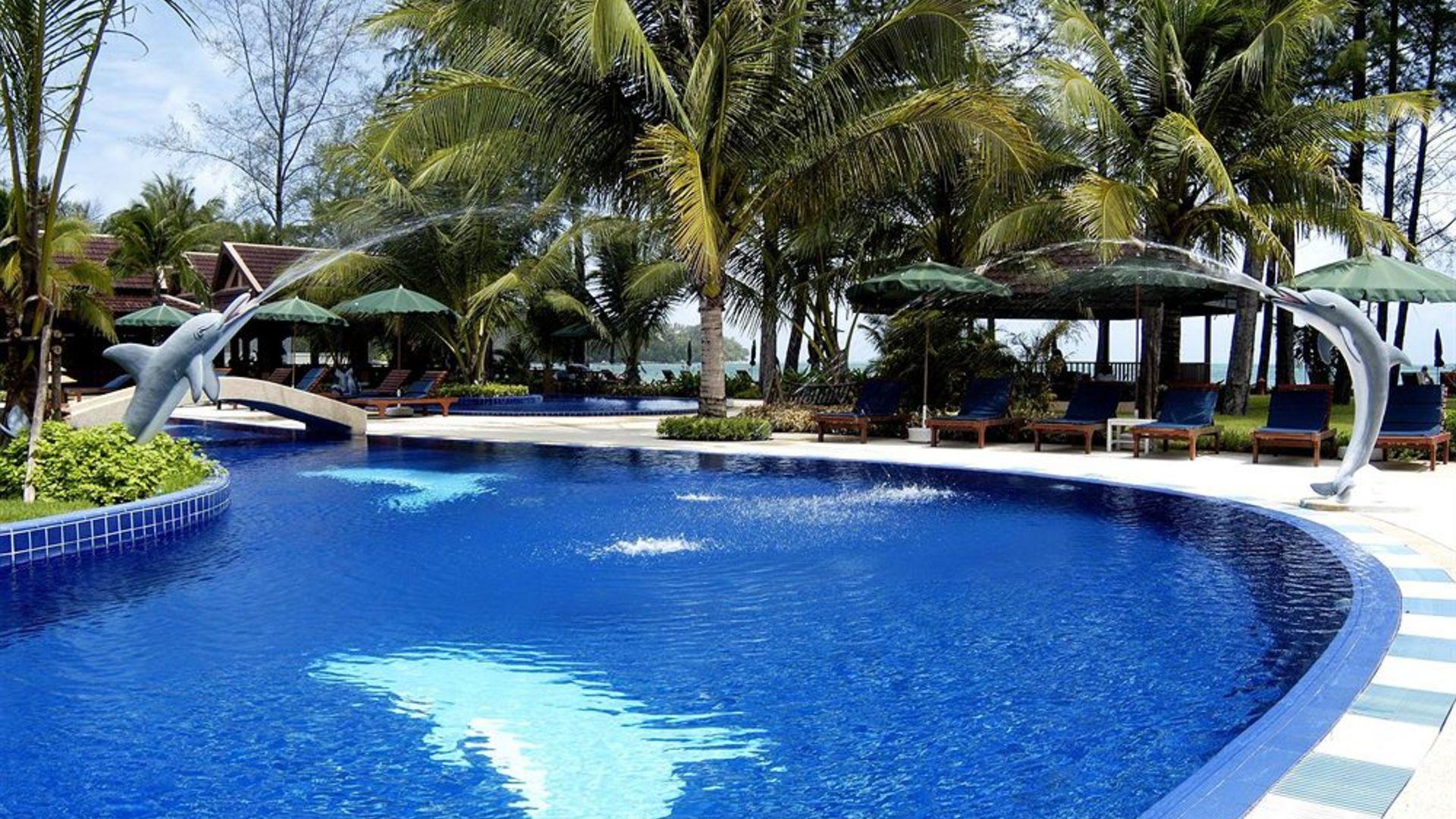 Фото бассейна в Best Western Premier Bangtao Beach Resort & Spa