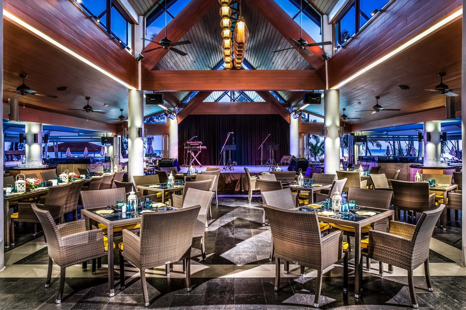 Фото ресторана в Le Meridien Phuket Beach Resort