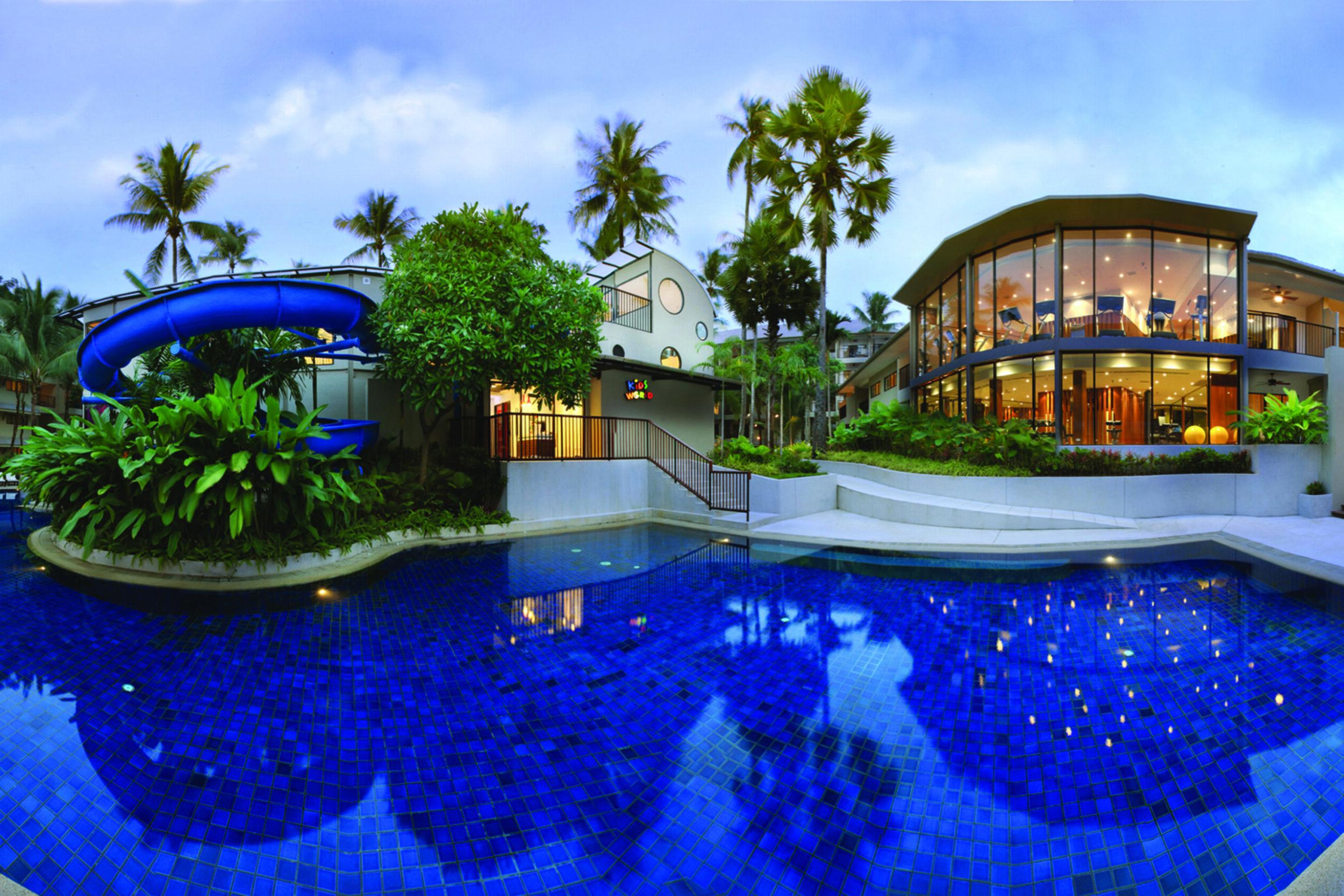 Фото территории Novotel Phuket Surin Beach Resort